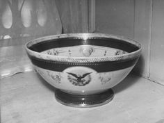 White House China Collection, Abraham Lincoln Punch Bowl