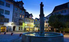 St.Gallen in der Schweiz, liegt unweit des #Bodensee St Gallen, Cn Tower, Mansions, House Styles, Building, Minden, Travel, Decor, Old Town