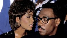 Houston and comedian/actor Eddie Murphy attend the United Negro College Fund& annual Lou Rawls Parade of Stars telethon kickoff party in November 1989 in Beverly Hills, California. Music X, Pop Music, Beautiful Black Women, Beautiful Day, Whitney Houston Death, Instagram Status, Eddie Murphy, Club Kids, American Singers