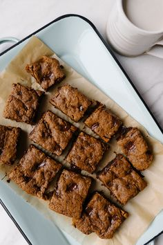 Simply Saturday | Dark Chocolate Chunk Molasses Blondies by Faring Well #vegan #recipes