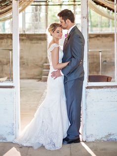 Wedding Poses 16 Sweet Couple Poses for Your Wedding Day - Make sure to put these special moments on your shot list. Wedding Poses, Wedding Couples, Wedding Day, Garden Wedding, Making A Wedding Dress, Dream Wedding Dresses, Wedding Couple Pictures, Couple Pics, Couple Quotes