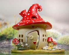 Honiglicht-Keramik - Home Clay Fairy House, Fairy Houses, Gnome House, Clay Houses, Ceramic Houses, Polymer Clay Crafts, Diy Clay, Fairytale House, Pottery Houses