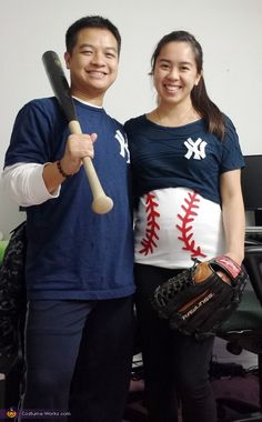 baseball couples pregnancy halloween costume - Pregnant Halloween Couples Costumes