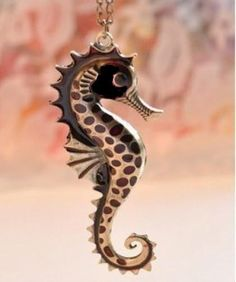 NEW Vintage Style Bronze Chain Sea Horse Necklace