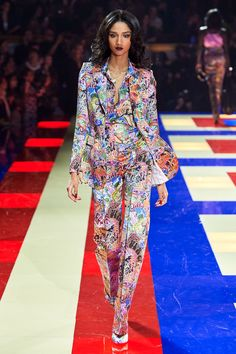 3ed23733 Tommy Hilfiger Spring 2019 Ready-to-Wear Fashion Show Collection: See the  complete