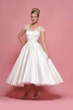 Short Wedding Gowns, Tea Length Wedding Dress, Tea Length Dresses, Dream Wedding Dresses, Bridal Dresses, Bridesmaid Dresses, Pin Up, Rockabilly Wedding Dresses, Older Bride Dresses