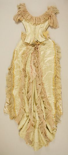 Ball gown (back view) Design House: House of Worth Designer: Charles Frederick Worth Date: ca. 1887 Culture: French Medium: silk, glass, metallic thread Accession Number: b 1880s Fashion, Victorian Fashion, Vintage Fashion, Historical Costume, Historical Clothing, Antique Clothing, Vintage Gowns, Vintage Outfits, Ball Dresses
