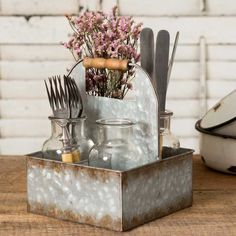 Metal Box Caddy with Four Bottles