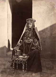 une femme de la trivu des ouled nail de biskra