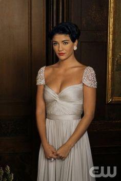 Vanessa Abrams on Gossip Girl Fashion. Reem Acra gown. Amazing!