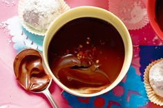 Your guests will go mad for these Mexican-inspired chocolate chilli desserts. Flake Chocolate, Chocolate Pots, Chocolate Desserts, Chocolate Pudding, Dessert Dips, Dessert Recipes, Dessert Places, Homemade Taco Seasoning, Cake Ingredients