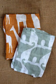 Organic baby burp cloths with animal design by Zebi.