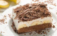 Banánové řezy jsou velmi oblíbené sladké dezerty. Vyzkoušejte si připravit tento jednoduchý dezert, který si oblíbíte.