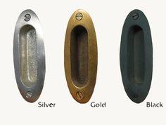 価格:\756(税込)/1個  種類取っ手(ドア、扉、シャッター、襖など)  http://item.rakuten.co.jp/gallup/7505-37/  素材・表面仕上げソリッド・ブラス (真鍮)、アンティーク仕上げ