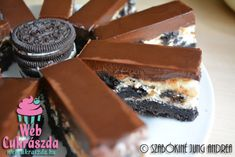 Oreo kekszes sajttorta szelet Tiramisu, Pudding, Ethnic Recipes, Food, Essen, Puddings, Yemek, Eten, Tiramisu Cake
