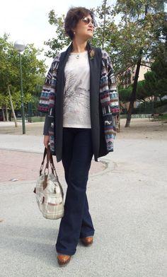 De Tacones y Bolsos: un outfi, con chaqueta Ordesa y camiseta Ordino de la nueva temporada de emes, colgante y anillo de Manitas de plata, broche de Monnadas y bolso de chicadecanela.