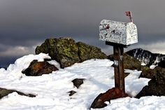 Hikes with curiosities, from garden gnomes to mailboxes.