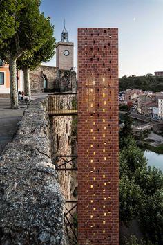 Carles Enrich | Arquitectura + Urbanisme. Brick and glass elevator in Gironella, Spain.