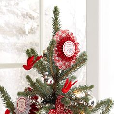 A tree isn't complete without a pretty Christmas tree topper. Whether it's a simple bow, a beautiful bouquet, or a unique tree topper you can make yourself, these Christmas tree topper ideas are the perfect finish to your beautiful holiday tree. Pretty Christmas Trees, Christmas Love, Christmas Tree Toppers, Christmas Crafts For Kids, All Things Christmas, Christmas Holidays, Christmas Ornaments, Christmas Bells, Christmas Ideas