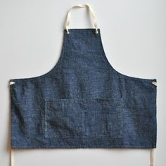 Wanna make one. Although this one is gorgeous. //Denim Apron