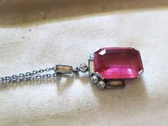 Vintage 1940s Art Deco silvertone pink glass diamante pendant necklace #Vintage