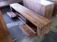 De prin fabrică, imagini cu mobila din lemn masiv, neprelucrate Solid Oak Furniture, Outdoor Furniture, Outdoor Decor, Home Decor, Decoration Home, Room Decor, Home Interior Design, Backyard Furniture, Lawn Furniture
