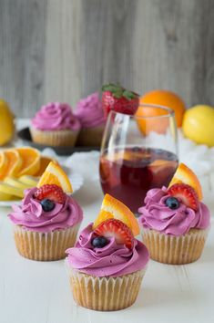 Sangria Cupcakes - made with fruit in the batter and a red wine buttercream, these are the perfect party cupcakes! Easy Cupcake Recipes, Summer Cupcake Flavors, Cupcake Ideas, Diy Cupcake, Dessert Recipes, Cupcake Images, Cupcake Bakery, Fudge Recipes, Sweet Desserts