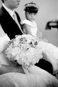 #brides #bridal #greekweddings #weddingphotographers #weddingbouquet #weddingingreece