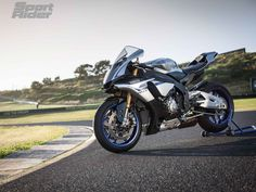 2015 Yamaha YZF-R1M First Ride Review | Sport Rider