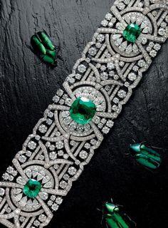 Emerald Gemstones Natural Beauty - Graff's sensational new Emerald and Diamond Bracelet in the latest Issue of FAIR on Emerald Bracelet, Diamond Bracelets, Bangle Bracelets, Silver Bracelets, Graff Jewelry, Emerald Jewelry, Gold Jewellery, Armband Vintage, Modern Jewelry