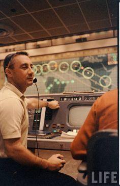 Simulation Chimp Shoot Photographer: Ralph Morse Astronauts In Space, Nasa Astronauts, Gus Grissom, Project Mercury, Apollo Missions, Risky Business, Space Race, Vintage Space, Space Program