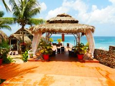 Dan's Creek Hotel, Port-Salut, Haiti  // Haiti Tourism inc