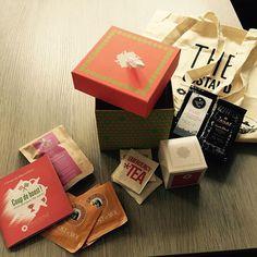 La folie du déballage chez @jarod59 : comment fait Envouthé pour faire tenir autant de thé dans cette boîte ? Mystère... ;)