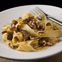 Tagliatelle with Walnuts and Pork Sauce Sicilian Style by RecipeTaster Sicilian, I Love Food, Pasta Dishes, Free Food, Spaghetti, Food And Drink, Beef, Cooking, Breakfast