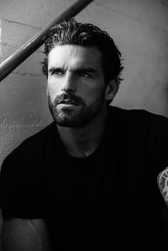 Stuart Reardon as Dan