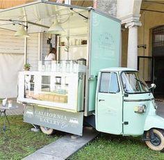 mint green food truck | California Bakery Bee (Milan)