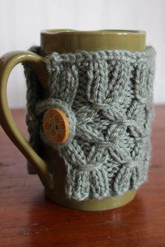 DIY Knit Mug Warmer (wonder if I could make this into a boot cuff? hmmmmm...)