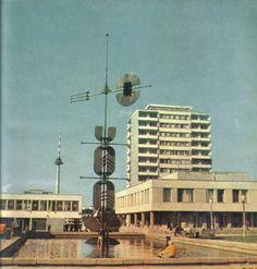 Lithuania, Vilnius, shopping center and sculpture  Designed by Č.Mazūras  Sculpture by K.Valantis