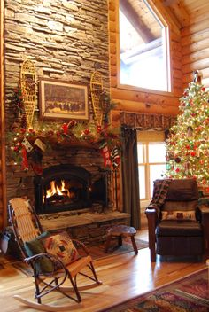Log Home Christmas time would be so much fun and cozy.