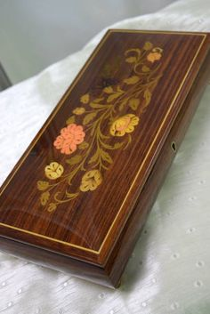 "Pretty Footed Lacquered Wood Jewellery Box with Floral Inlay Detail - Has Key - Swiss Musical Movement Plays Edelweiss - Made in Italy - 11.5"" x 5.5"" x 2.5"" H"