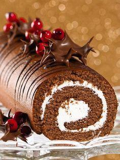 Il Rotolo dolce di cioccolato e cocco: una saporita pasta al cioccolato farcita con prelibata crema di ricotta e cocco: una vera bontà! Rotolocioccolatoecocco #rotoloalcioccolato