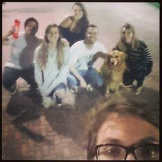 Tá toda pixelada tá com o foco zoado mas tá com essa galera! Foi uma semana corrida e sem tempo pra nada mas valeu demais :) #riodejaneiro #friends #dog