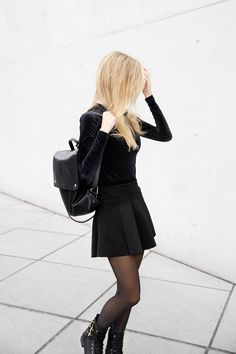Allblackeverything Club Outfit – Glitter and Techno // Marina Tureczek Club Outfits, My Outfit, Techno, Leather Skirt, Glitter, Skirts, How To Wear, Color, Black