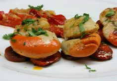 scallops, chorizo and red peppers! Scallops, Red Peppers, Chorizo, Caprese Salad, Stuffed Peppers, Fruit, Breakfast, Desserts, Recipes