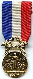 Médaille d'honneur pour acte de courage et de dévouement.jpg