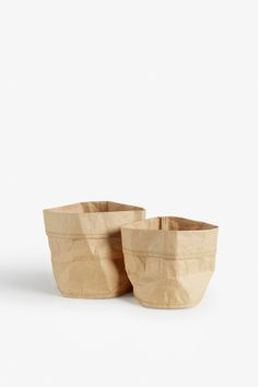 Get creative with this 2-pack of papery pots!  colour: desert storm beige Diameter: 17 cm and 14 cm