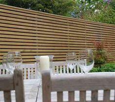clôture de jardin en bois avec panneau horizontal