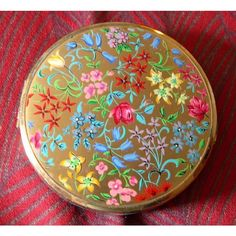 Stratton Powder Compact ~ for E. Listing in the Other,Beauty Tools,Make-Up & Cosmetics,Health & Beauty Category on eBid United Kingdom Stratton Compact, Floral Furniture, Uk Europe, Auction Items, Online Marketplace, Good Cause, Sell Items, Floral Fabric, Makers Mark