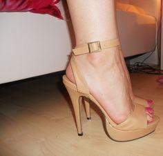 ed76a2813fa29 91 nejlepších obrázků z nástěnky Women high heel shoes za rok 2015 ...