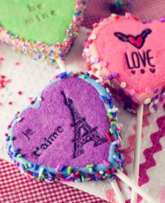 Single Ladies: 6 Ways to Have Fun This Valentine's Day | College Gloss